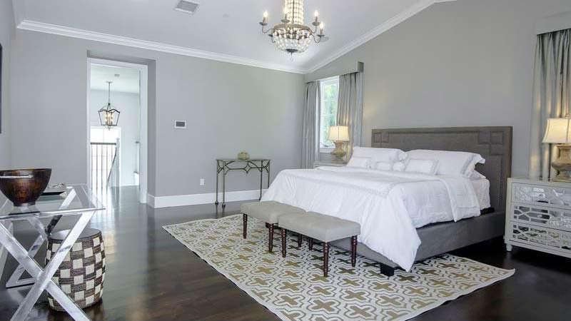 Красивый дизайн спальни в доме