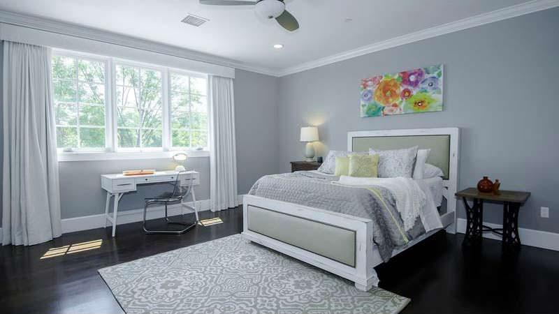 Спальня с рабочим столом