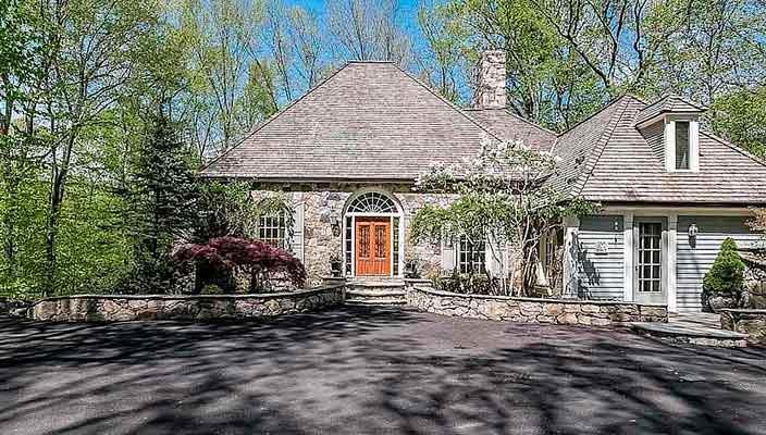 Певица Синди Лопер продала дом в Коннектикуте | фото и цена