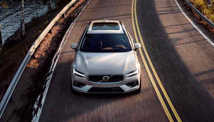 Универсал Volvo V60 нового поколения официально   фото, видео