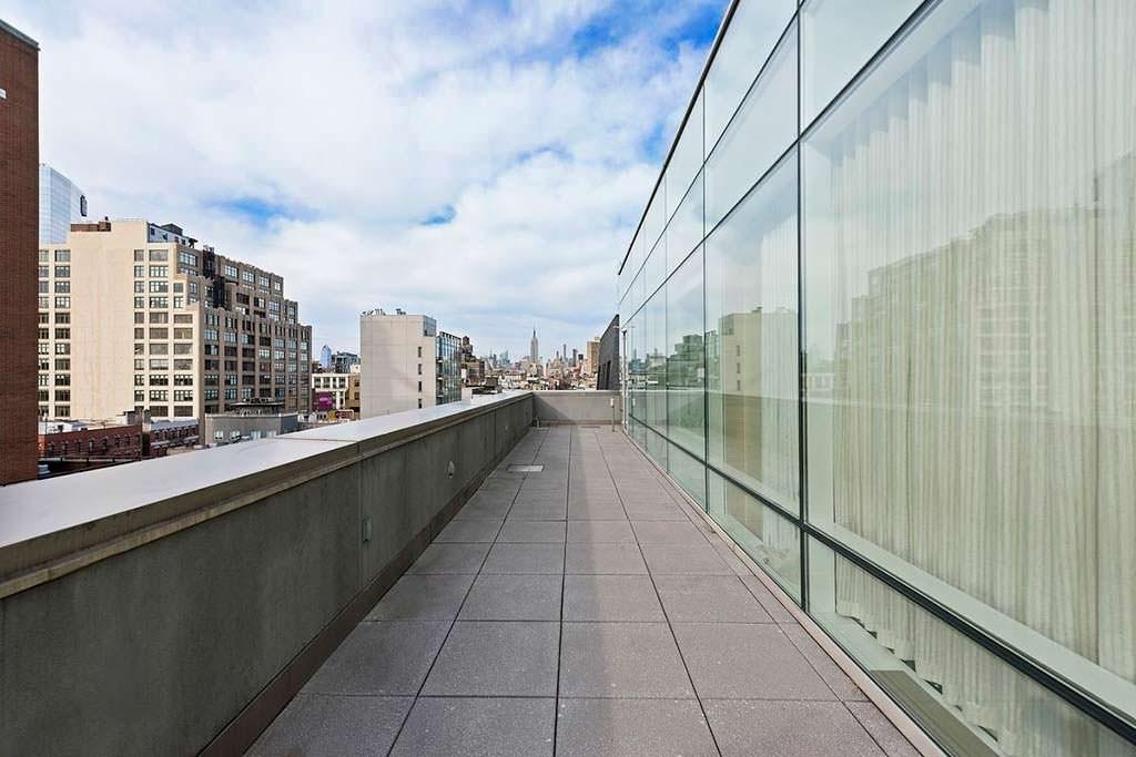 Терраса квартиры с видом на Манхэттен