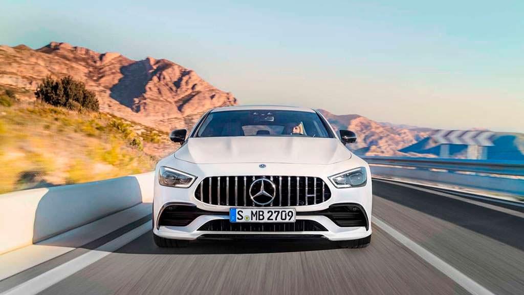 Стильный Mercedes-AMG GT 4-Door Coupe