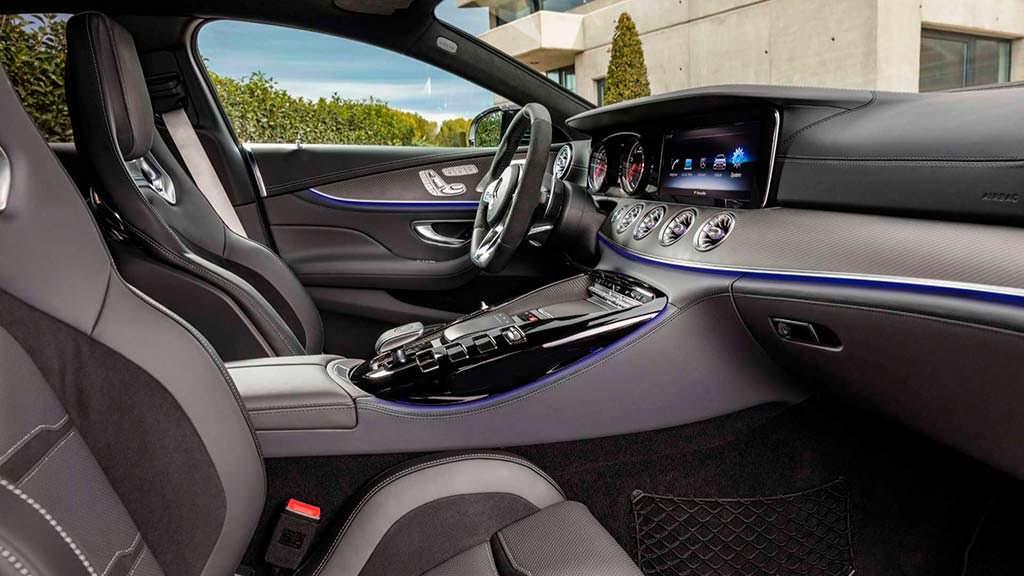 Интерьер Mercedes-AMG GT 4-Door Coupe