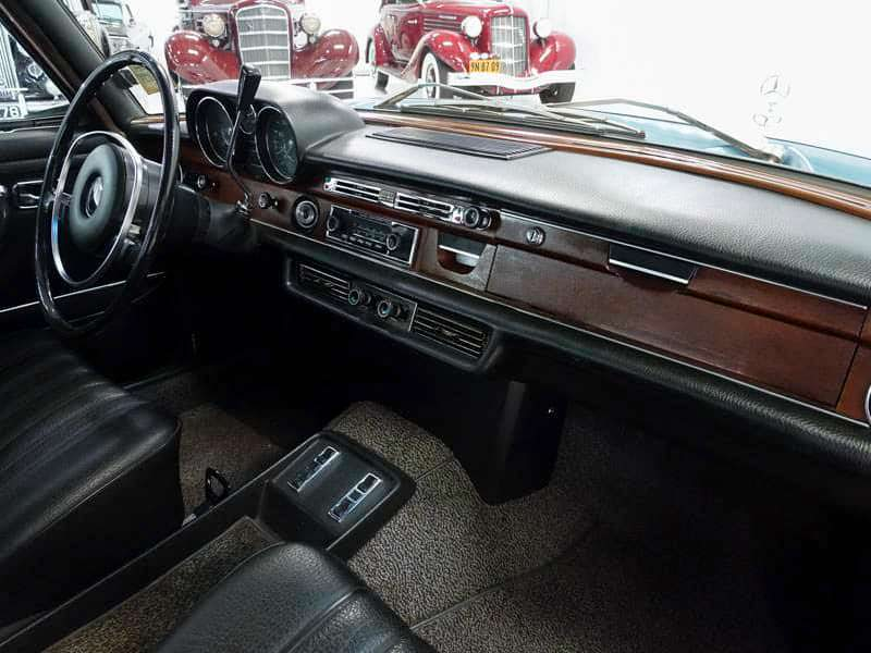 Фото внутри Mercedes-Benz 280SEL 1970 года выпуска