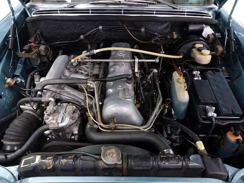 Двигатель 2,8-литра V6 мощностью 158 л.с. Mercedes 280SEL