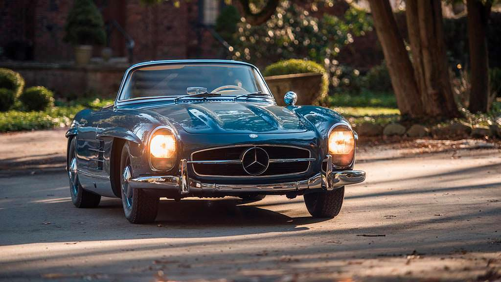 Mercedes-Benz 300 SL Roadster 1962 года. Цена $1,2 млн