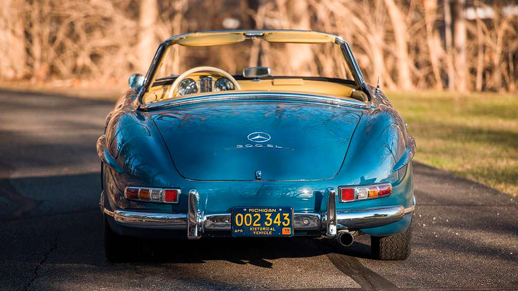 Ретро Mercedes-Benz 300 SL Roadster