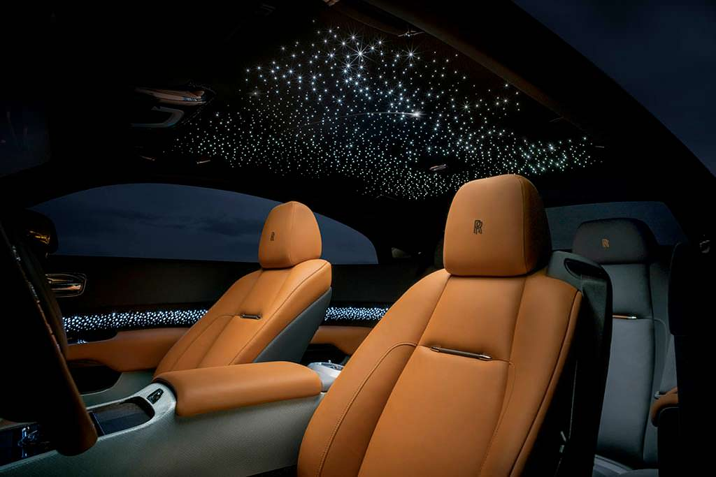 Звездное небо в салоне Rolls-Royce Wraith Luminary Edition