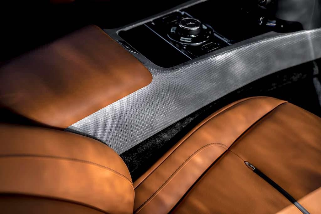 Отделка салона кожей Rolls-Royce Wraith Luminary Edition