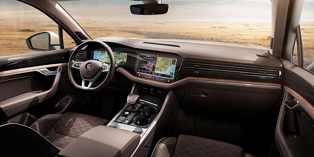 Фото внутри Volkswagen Touareg третьего поколения
