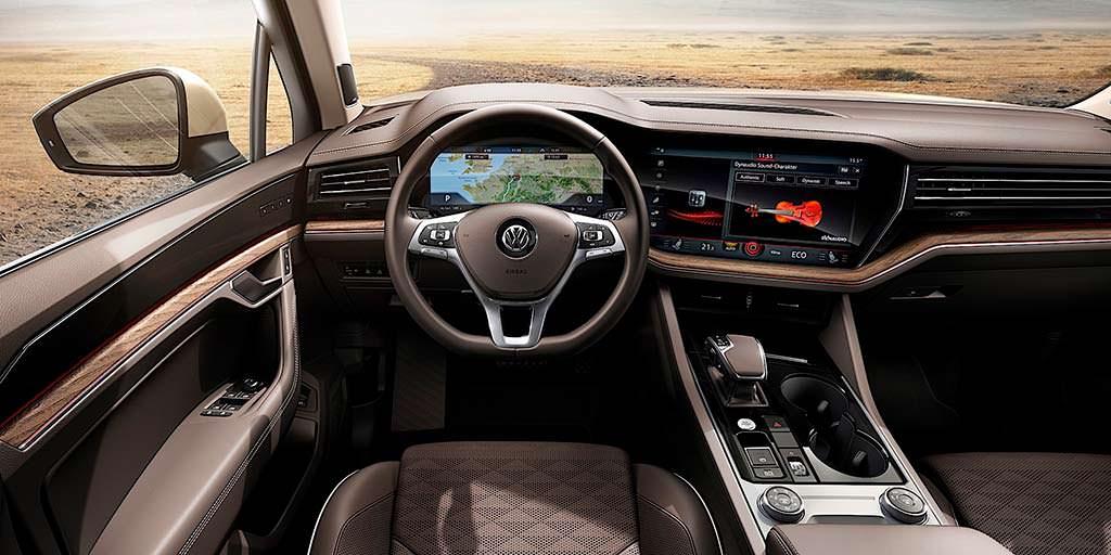 Фото салона Volkswagen Touareg нового поколения