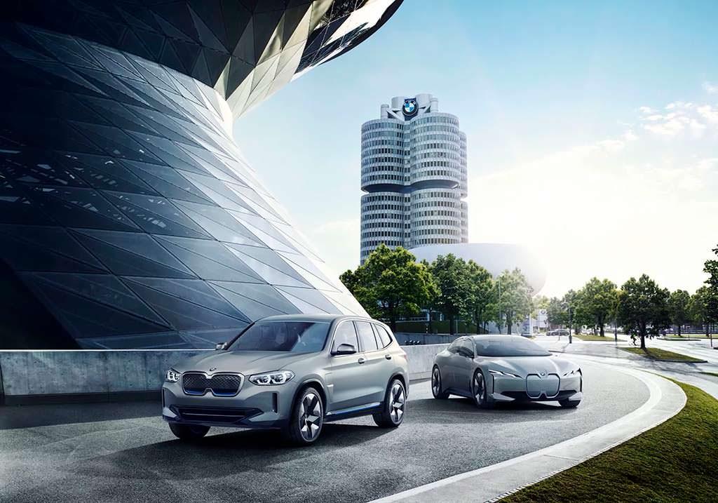 BMW Concept iX3 и BMW i Vision Dynamics