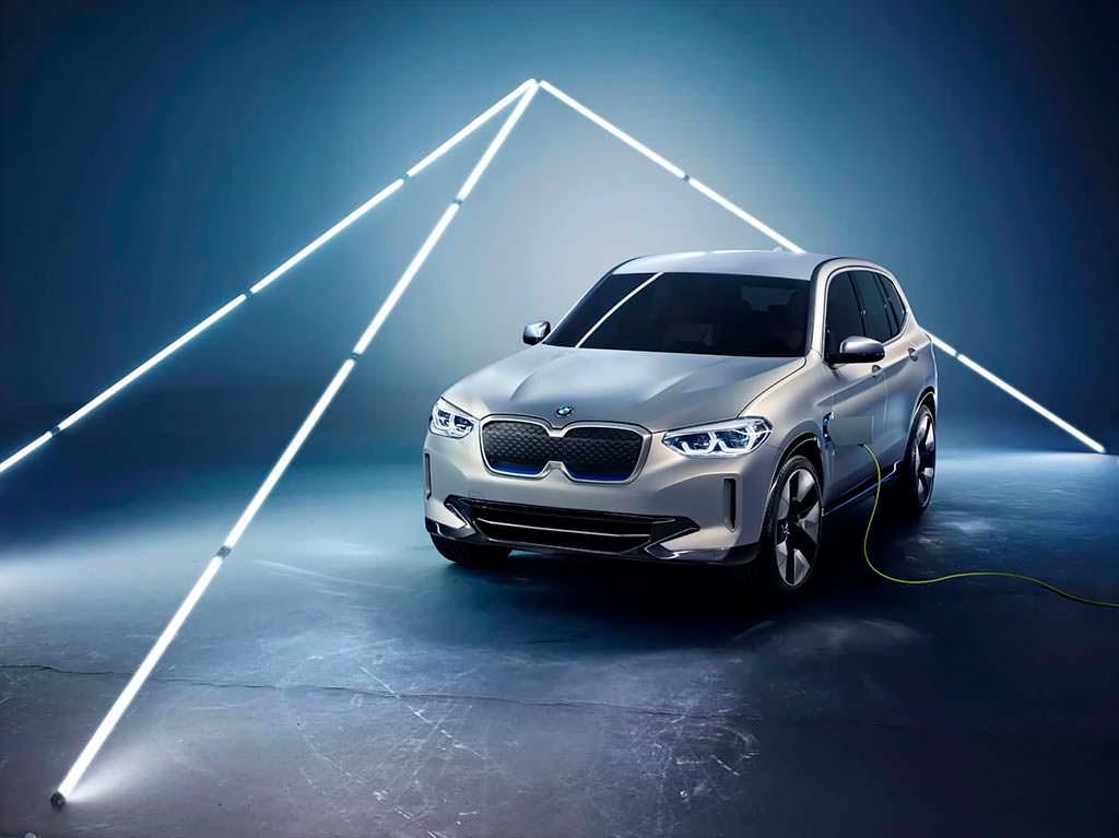 2018 BMW Concept iX3