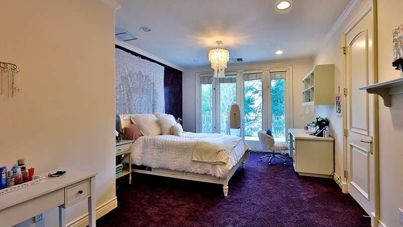 Одна из шести спален в доме Dr. Dre
