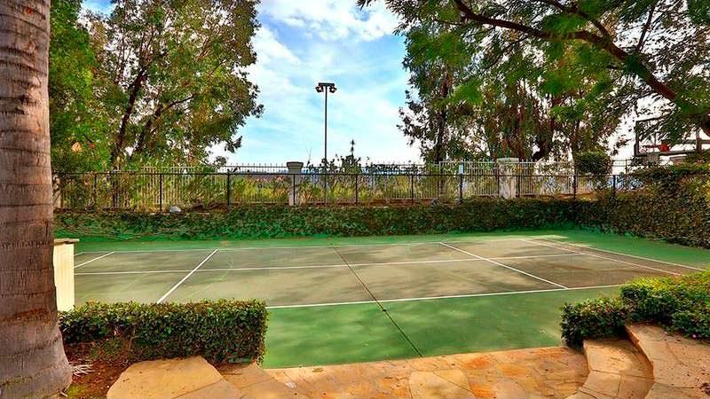 Собственный теннисный корт у дома