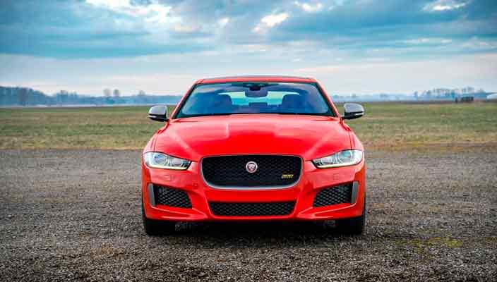 Новый спортивный седан Jaguar XE 300 Sport стал мощнее   фото
