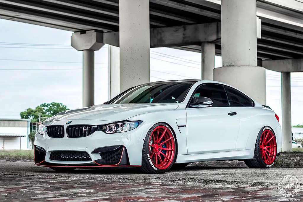 Спортивная BMW M4 Coupe. Тюнинг от ADV.1 Wheels