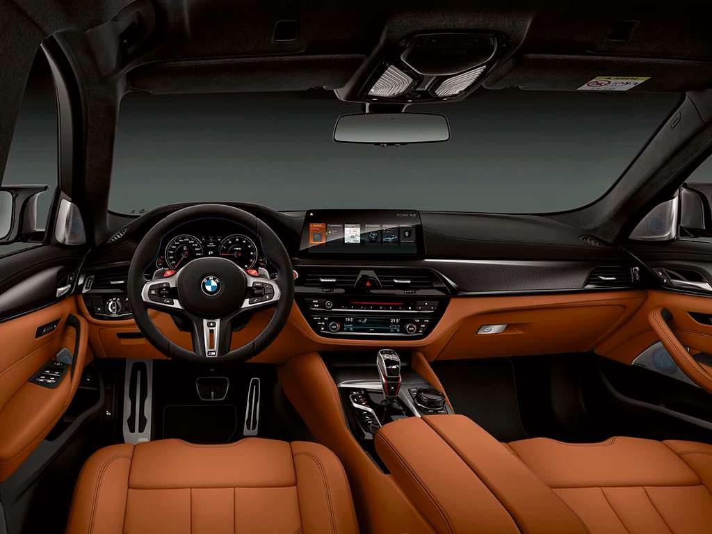 Салон BMW M5 Competition 2019
