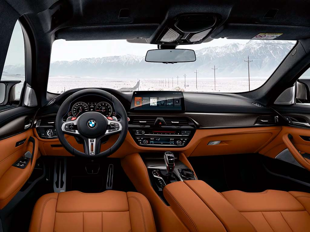 Фото внутри BMW M5 Competition 2019