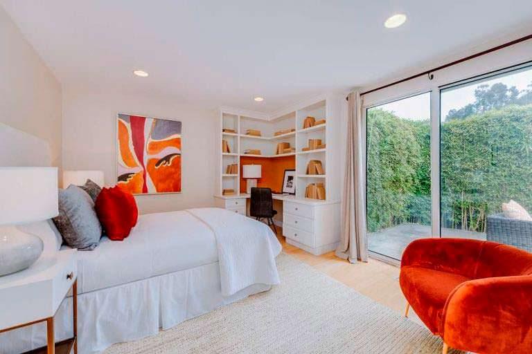 Дизайн спальни в доме Тейлор Свифт