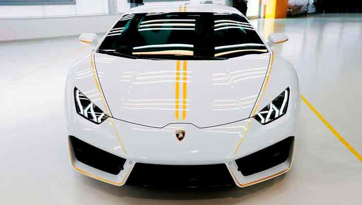 Lamborghini Huracan Папы Римского ушел с молотка за $861 575