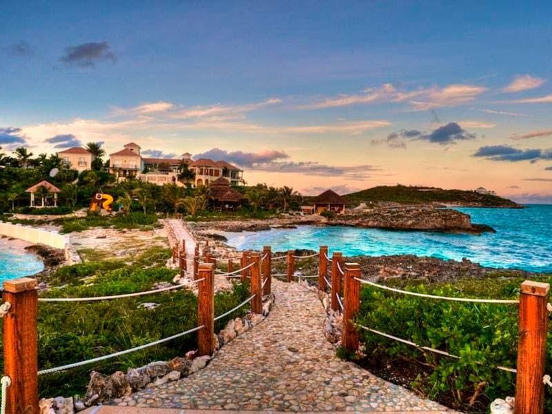 Вилла Принса на островах архипелага Теркс и Кайкос