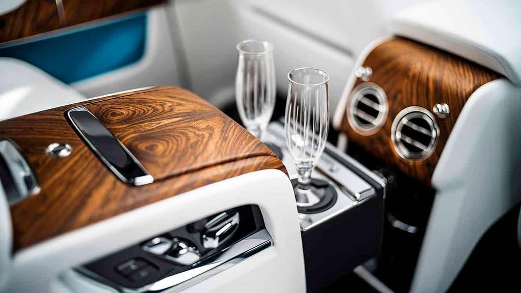 Бокалы в комплектации Rolls-Royce Cullinan