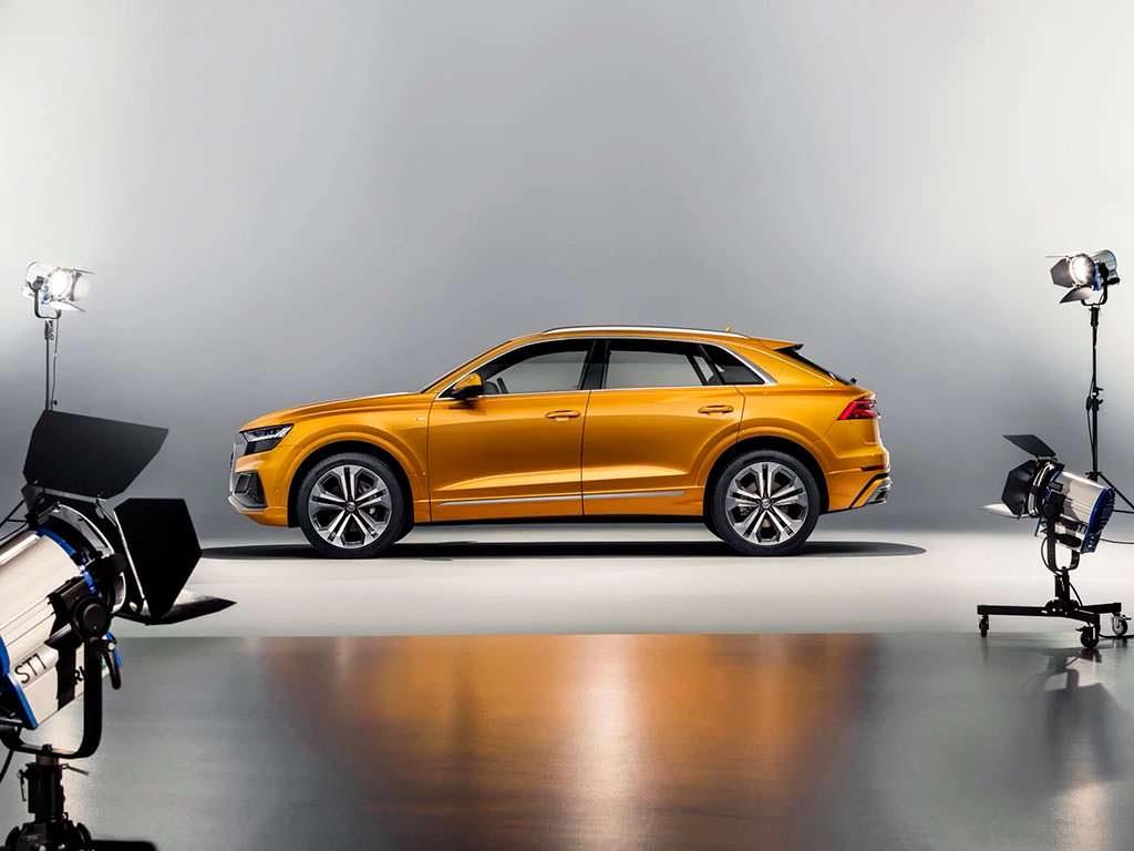 Новая Audi Q8 2018 года