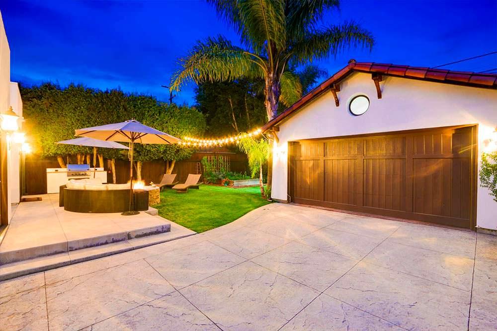 Дом с двумя спальнями и гаражом в Лос-Анджелесе