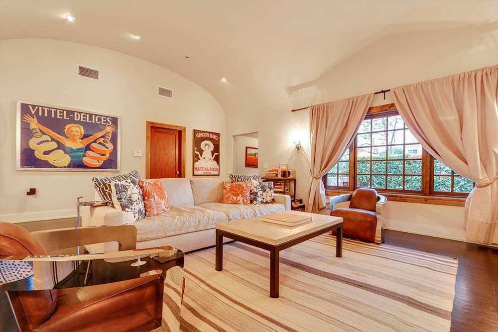 Дизайн гостиной в доме Дермота Малруни