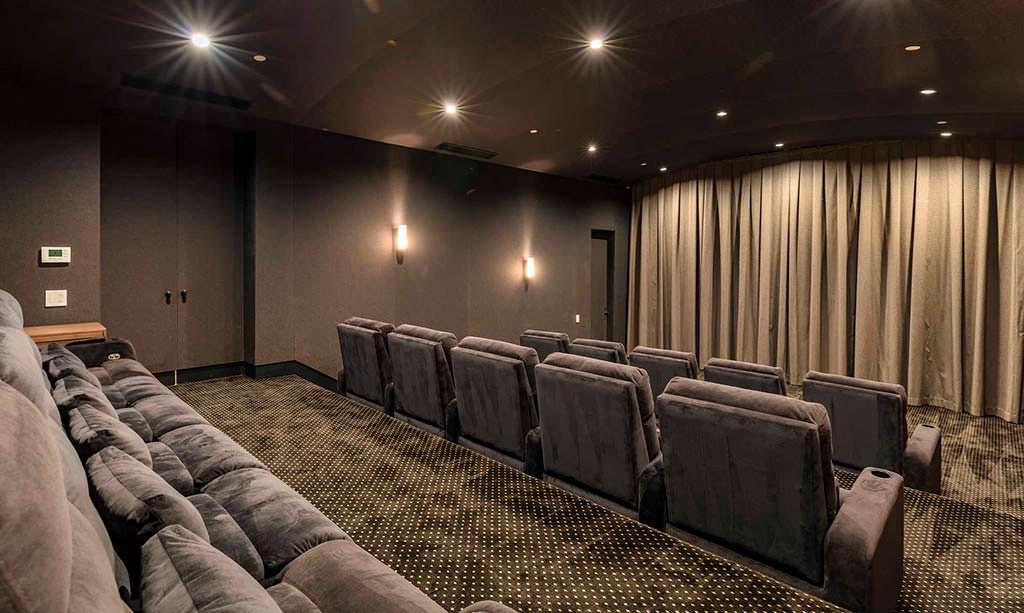 Домашний кинотеатр на 15 мест