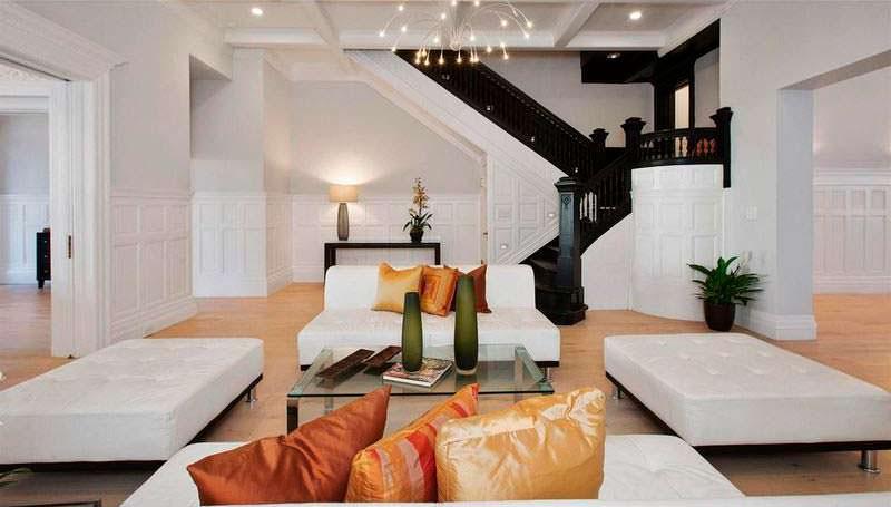 Дизайн гостиной в доме Николаса Кейджа