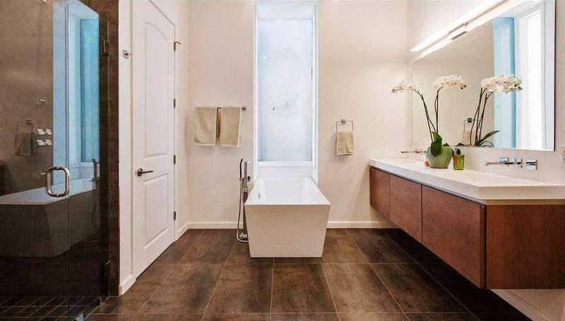 Современный дизайн ванной комнаты в светлых тонах