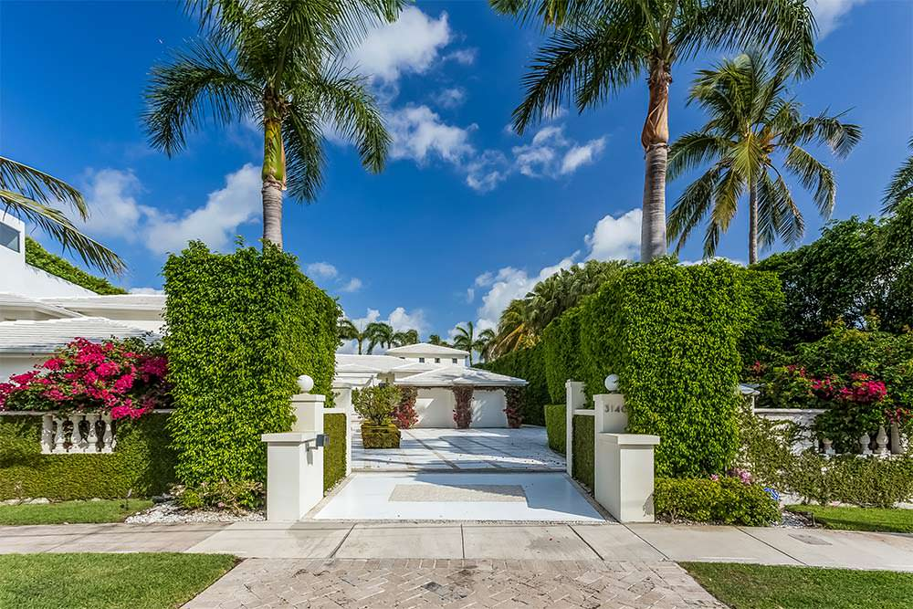 Дом в Майами-Бич с гаражом на 2 автомобиля