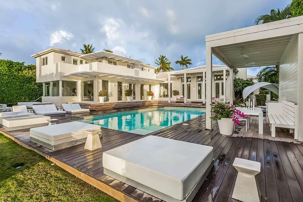 Дом с 6 спальнями и бассейном в Майами-Бич