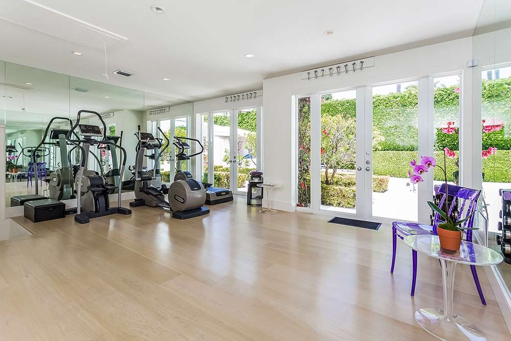 Фитнес-зал в доме Шакиры