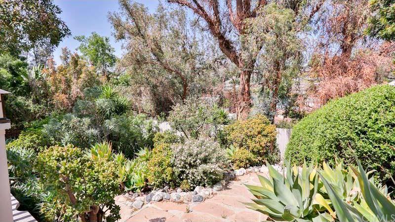 Сад у дома певицы Sia