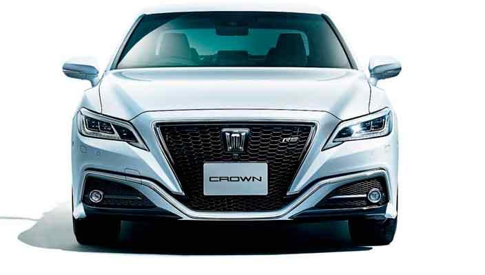 Представительский седан Toyota Crown вышел в 15-м поколении
