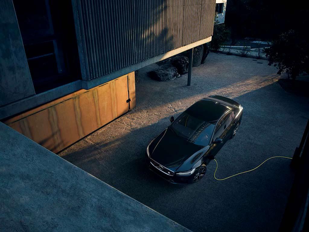 Гибрид Volvo S60 T8 Twin Engine AWD