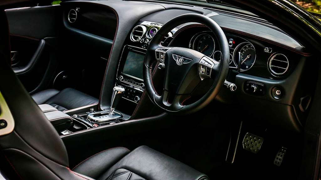 Фото салона Bentley Continental GT Speed Элтона Джона