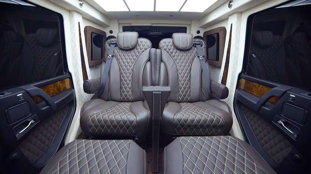 Двухместный салон бронированного Mercedes-AMG G63 от Inkas