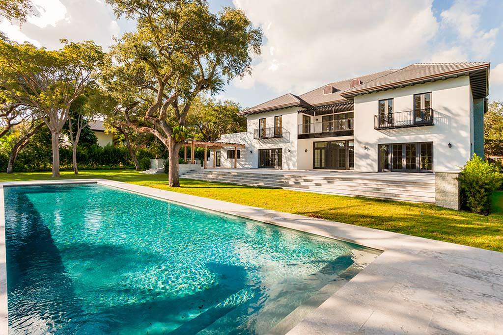 Дом с бассейном Эль Макферсон во Флорид