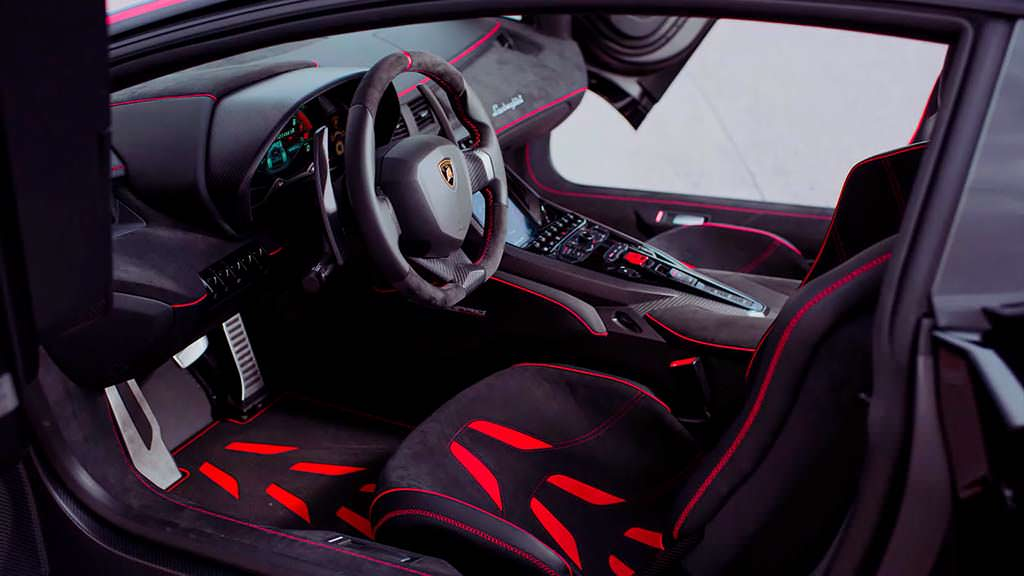 Фото внутри Lamborghini Centenario