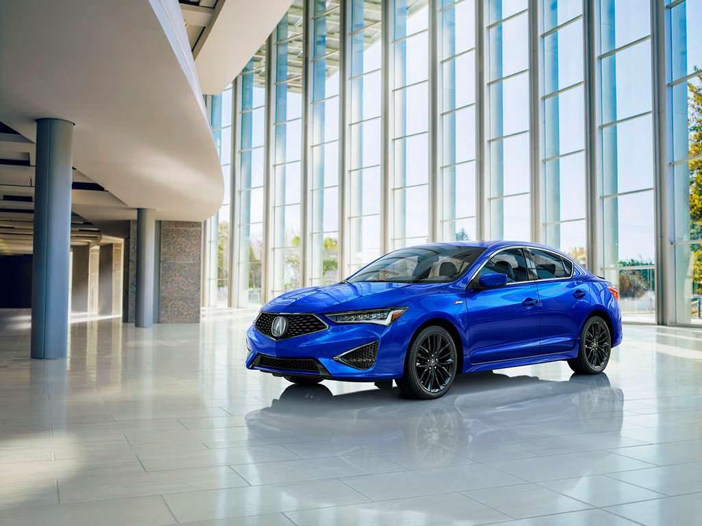 Седан Acura ILX цвета Apex Blue Pearl