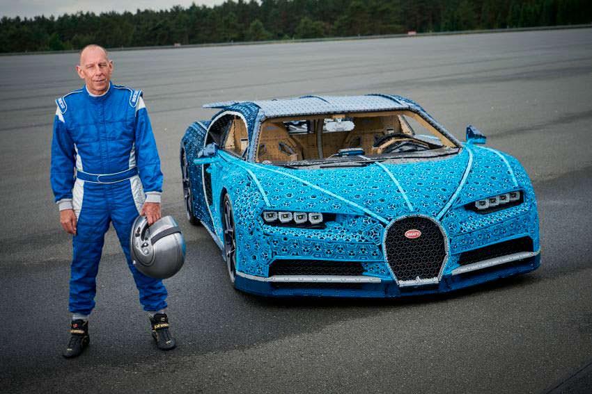 LEGO Bugatti Chiron и автогонщик Энди Уоллес