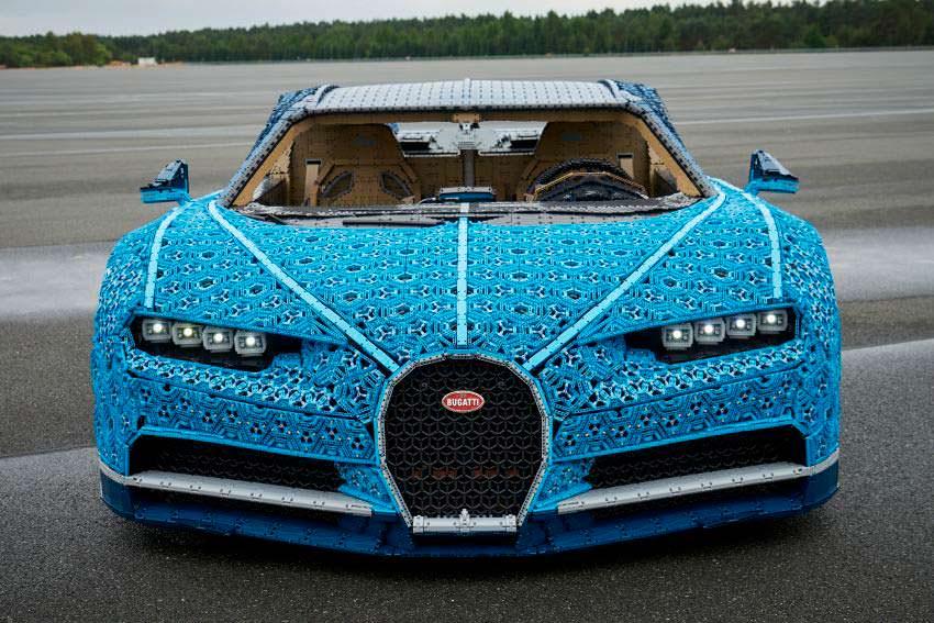 LEGO Bugatti Chiron. Максимальная скорость 20 км/ч