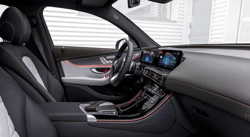 Фото внутри Mercedes-Benz EQC
