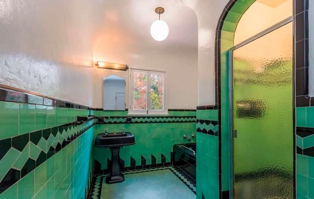 Отделка ванной комнаты испанской плиткой