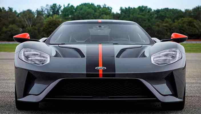 Облегченный суперкар Ford GT Carbon Series 2019 | фото
