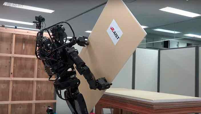 Создан гуманоидный робот-строитель замена гастарбайтеров